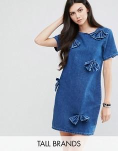 Джинсовое платье с завязкой на бант Glamorous Tall - Синий