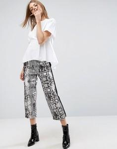Широкие брюки со змеиным принтом ASOS - Мульти