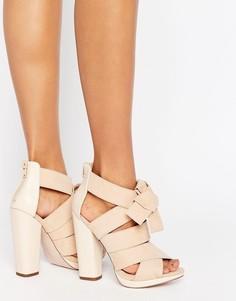 Сандалии на блочном каблуке с перекрестными ремешками Little Mistress - Бежевый