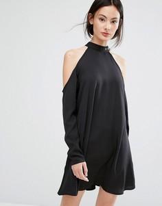 Платье с открытыми плечами и пряжкой Influence - Черный