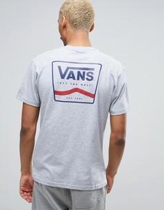 Серая футболка с принтом на спине Vans VA2X4TATH - Серый