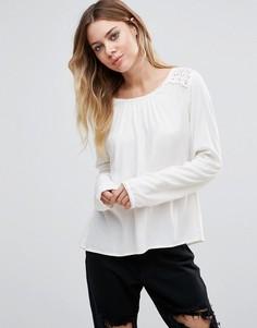 Блузка с длинными рукавами и вставками кроше Vila - Белый