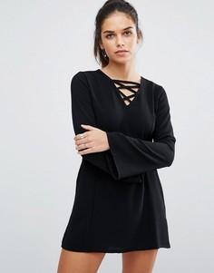 Цельнокройное платье со шнуровкой спереди Daisy Street - Черный