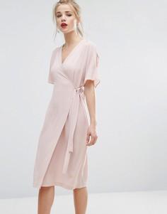 Платье миди с разрезами на рукавах и запахом New Look - Розовый