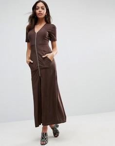 Коричневое платье макси на молнии спереди Liquorish - Коричневый