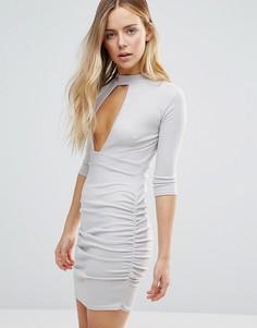Платье с глубоким вырезом и вставкой-чокер Daisy Street - Серый