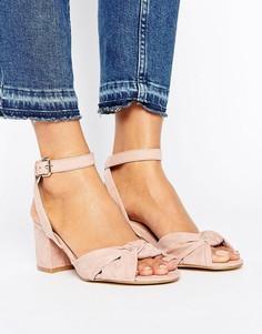 Туфли на блочном каблуке с узелками спереди New Look - Stone