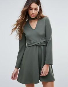 Короткое приталенное платье с ожерельем-чокером Daisy Street - Зеленый