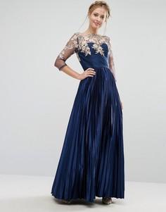 Кружевное платье макси с плиссированной юбкой Chi Chi London Premium - Темно-синий