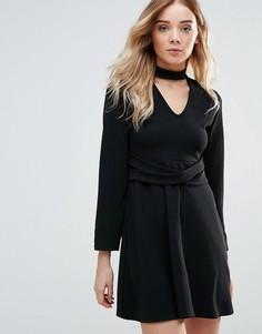 Короткое приталенное платье с ожерельем-чокером Daisy Street - Черный