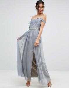 Платье макси в складку с открытыми плечами и декорированной талией Little Mistress - Серый