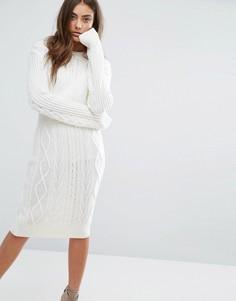 Вязаное платье-джемпер с узором косичка Boohoo - Кремовый