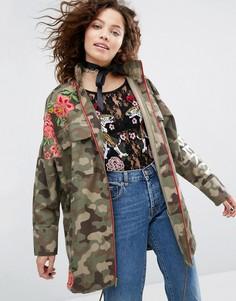 Куртка с камуфляжным принтом и цветочной вышивкой H! By Henry Holland - Зеленый