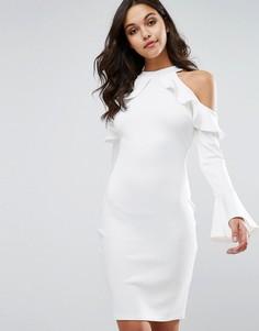 Платье миди с вырезами и рюшами на плечах Club L - Кремовый