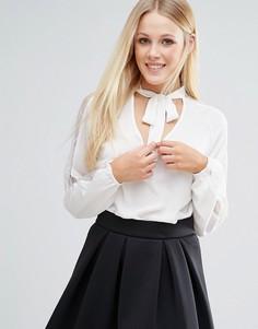 Блузка с вырезом капелькой и завязкой Girls On Film - Кремовый