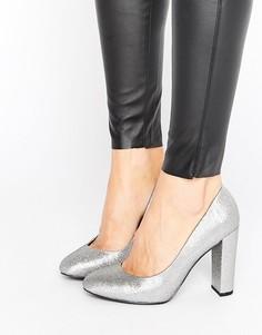Туфли на блочном каблуке с блестками New Look - Серебряный