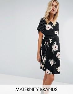 Платье с цветочным принтом и поясом New Look Maternity - Черный