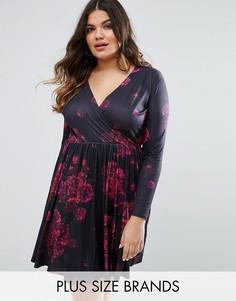 Короткое приталенное платье с запахом и цветочным принтом Club L Plus - Мульти
