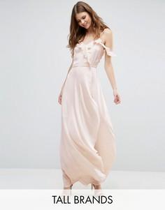 Платье макси с открытыми плечами и оборками спереди Vero Moda Tall - Розовый