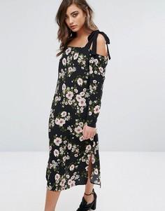 Платье миди с вырезами на плечах и цветочным принтом Miss Selfridge - Черный