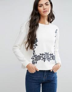 Свитшот с вышивкой First & I - Белый