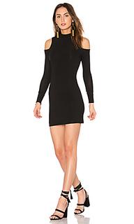 Мини платье с открытыми плечами - BLQ BASIQ