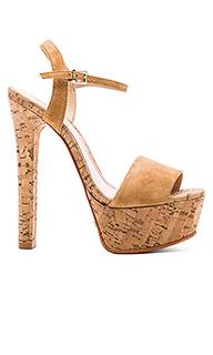 Туфли на каблуке nadine - Schutz