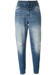 зауженные джинсы с потертой отделкой Closed