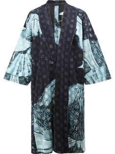 пальто-кимоно с абстрактным принтом Homme Plissé Issey Miyake
