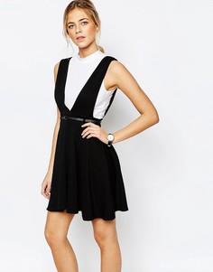 Короткое приталенное платье с поясом New Look - Черный