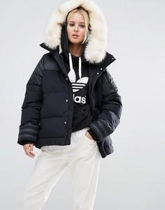 Дутая куртка с отделкой искусственным мехом adidas Originals - Черный
