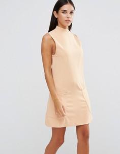 Цельнокройное платье с высокой горловиной и карманами AX Paris - Розовый