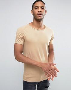 Обтягивающая футболка с овальным вырезом и необработанным краем Liquor & Poker - Бежевый