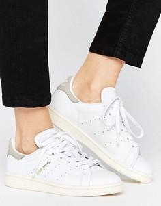 Белые кроссовки с серой отделкой adidas Originals Stan Smith - Белый
