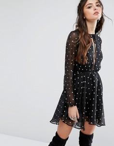 Короткое приталенное платье в горошек Lovers + Friends - Мульти