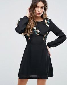 Короткое приталенное платье с вышивкой Missguided - Черный