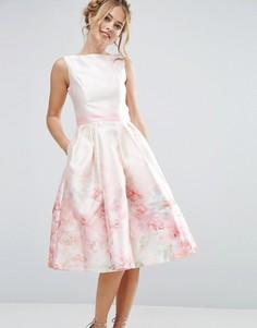 Атласное платье миди 2 в 1 с принтом Chi Chi London - Розовый