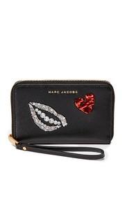 Расшитый блестками кошелек на молнии с ремешком на руку Hand to Heart Marc Jacobs