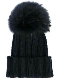 шапка с помпоном из лисьего меха  Inverni