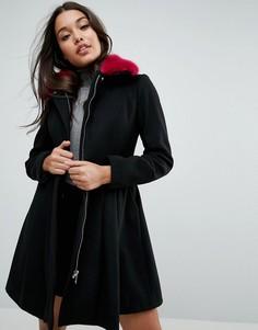 Приталенное пальто с контрастным воротником из искусственного меха ASOS - Черный