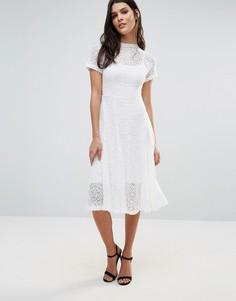 Кружевное расклешенное платье миди цвета слоновой кости Goldie Romantics - Кремовый