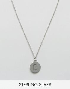 Серебряное ожерелье с инициалом E Fashionology - Серебряный
