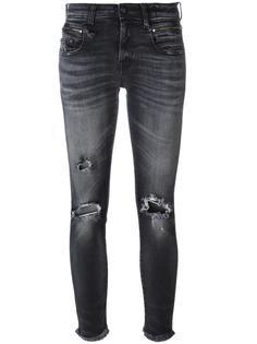 джинсы с рваной отделкой R13