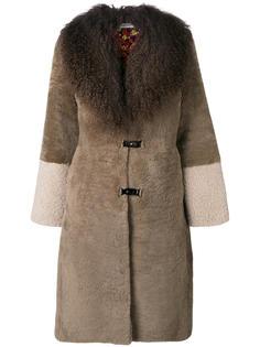 пальто из овчины с меховым воротником Saks Potts