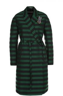 Пальто в полоску с поясом и декоративной брошью Rochas