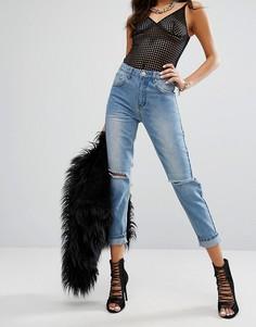 Светлые джинсы в винтажном стиле с прорехами Prettylittlething - Синий