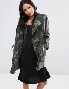 Асимметричная куртка с камуфляжным принтом Parka London Ester - Зеленый