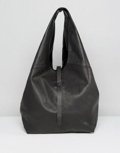Кожаная объемная сумка на плечо без подкладки ASOS - Черный