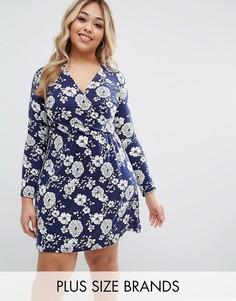 Короткое приталенное платье с цветочным принтом Club L Plus - Темно-синий