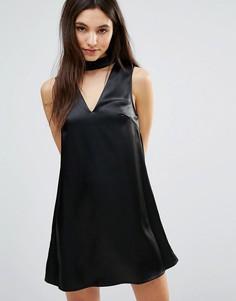 Цельнокройное платье с горловиной-чокер Parisian - Черный